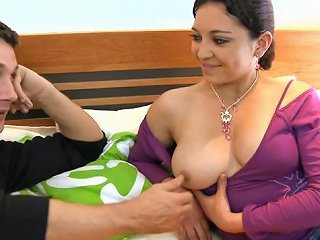 Horny Chap And Busty Indian Babe Gets Busy In Bed Sunporno Uncensored